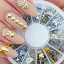 Professional High Quality Manicure 3D Nail Art Decorations Wheel With Gold And Silver Metal Studs In 12 Different Shapes By